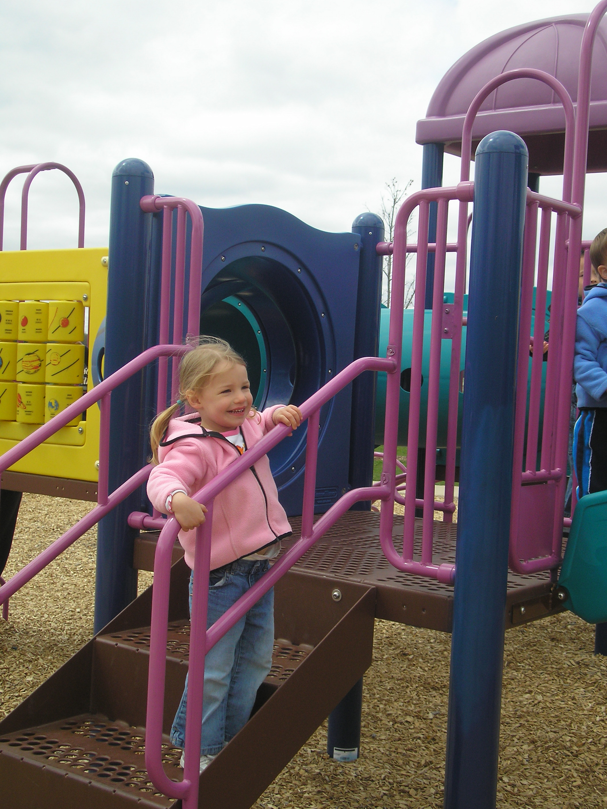 Play structure 1